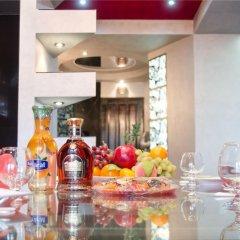 Отель Penthouse in Republic Square Ереван гостиничный бар