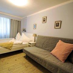 Отель Under The Charles Bridge 3bdr Loft Прага комната для гостей фото 3