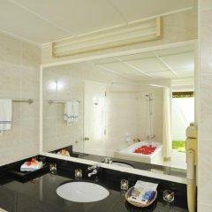 Отель Holiday Island Resort & Spa 4* Улучшенное бунгало с различными типами кроватей фото 3