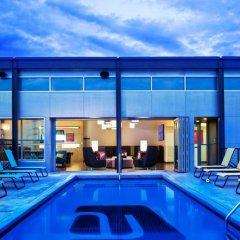 Отель Aloft Tulsa Downtown США, Талса - отзывы, цены и фото номеров - забронировать отель Aloft Tulsa Downtown онлайн бассейн фото 3