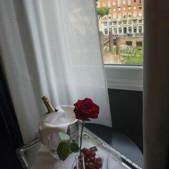 Отель Torre Argentina Relais - Residenze di Charme 3* Стандартный семейный номер с двуспальной кроватью фото 19