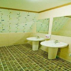 Отель Kimchee Hongdae Guesthouse Кровать в общем номере с двухъярусной кроватью фото 4
