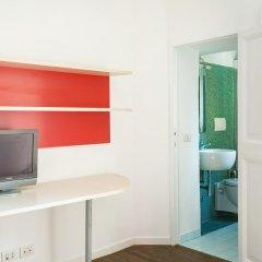 Отель Santi Quattro - Colosseo удобства в номере фото 2