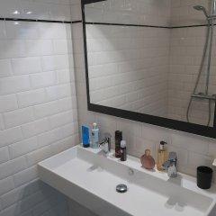 Отель Frida Badoux B&B Нидерланды, Амстердам - отзывы, цены и фото номеров - забронировать отель Frida Badoux B&B онлайн ванная фото 2