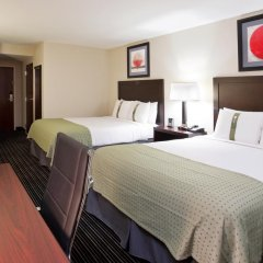 Отель Holiday Inn Columbus-Hilliard 3* Стандартный номер с различными типами кроватей фото 3