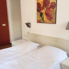 City Hotel 2* Стандартный номер с 2 отдельными кроватями фото 3