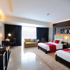 Отель DoubleTree by Hilton Bangkok Ploenchit 5* Номер Делюкс фото 6