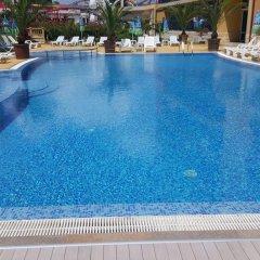 Отель Family Hotel Gallery Болгария, Солнечный берег - отзывы, цены и фото номеров - забронировать отель Family Hotel Gallery онлайн бассейн фото 3