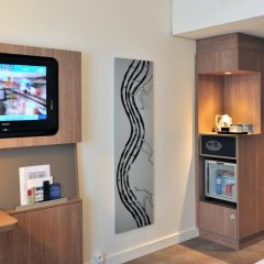 Отель Novotel Brussels City Centre 4* Улучшенный номер с разными типами кроватей фото 3