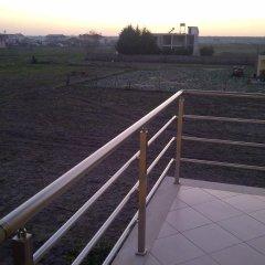 Отель Guest House Fatos Biti Албания, Голем - отзывы, цены и фото номеров - забронировать отель Guest House Fatos Biti онлайн балкон