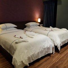 Hanoi Emerald Waters Hotel Trendy 3* Улучшенный номер с различными типами кроватей фото 2