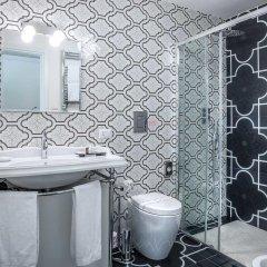 Отель Ingrami Suites 3* Стандартный номер с различными типами кроватей фото 11