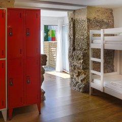 Oporto City Hostel сейф в номере