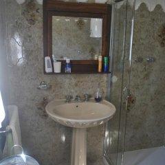 Отель La Casa di Sotto Италия, Массароза - отзывы, цены и фото номеров - забронировать отель La Casa di Sotto онлайн ванная