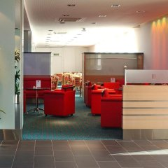 Отель Holiday Inn Express Geneva Airport интерьер отеля фото 3