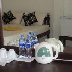 Отель Jungle Holiday Home Хиккадува удобства в номере