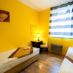 Chłodna29 Hostel Стандартный номер с двуспальной кроватью (общая ванная комната) фото 4