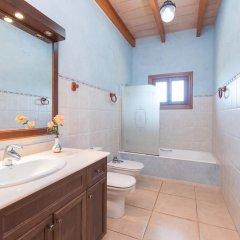 Отель Can Berguins ванная фото 2