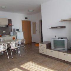 Отель Apartamenti Zhelezovi Поморие комната для гостей фото 4