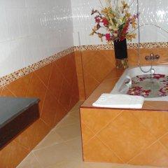 Отель Lamai Guesthouse 3* Номер Делюкс с двуспальной кроватью фото 8