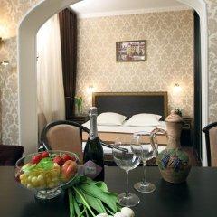 Гостиница Елисеефф Арбат 3* Люкс с различными типами кроватей фото 7