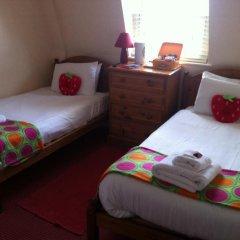 Отель Strawberry Fields 3* Стандартный номер с 2 отдельными кроватями