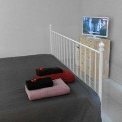 Отель House Cedofeita Коттедж разные типы кроватей фото 28