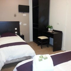 Отель Hôtel du Quai de Seine 2* Стандартный номер с различными типами кроватей