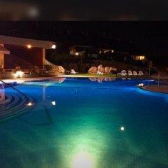 Отель Raeiros бассейн