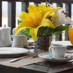 Отель Golden Tulip Essential Pattaya 4* Улучшенный номер с различными типами кроватей фото 6