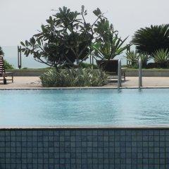 Отель Sea View Monarch Apartment Шри-Ланка, Коломбо - отзывы, цены и фото номеров - забронировать отель Sea View Monarch Apartment онлайн бассейн