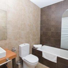 Отель Trinitarios Испания, Валенсия - отзывы, цены и фото номеров - забронировать отель Trinitarios онлайн ванная фото 2