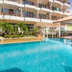 Апартаменты Emerald Palace - Serviced Apartment Паттайя бассейн фото 2