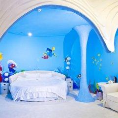 Xiamen Alice Theme Hotel Сямынь бассейн