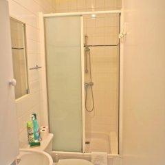 Отель One Bedroom Quartier Latin ванная