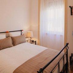 Отель Traveling To Lisbon Alfama Apartments Португалия, Лиссабон - отзывы, цены и фото номеров - забронировать отель Traveling To Lisbon Alfama Apartments онлайн комната для гостей фото 3