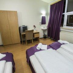 Отель The Capital-Inn Стандартный номер с различными типами кроватей фото 16