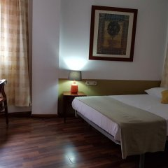 Отель Hostal LK Стандартный номер с двуспальной кроватью фото 6
