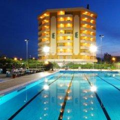 Отель Grand Eurhotel Италия, Монтезильвано - отзывы, цены и фото номеров - забронировать отель Grand Eurhotel онлайн бассейн фото 3