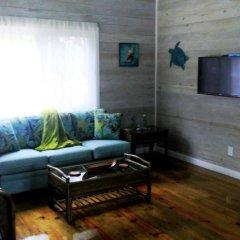 Отель Serenity Beach Cottages Гондурас, Остров Утила - отзывы, цены и фото номеров - забронировать отель Serenity Beach Cottages онлайн комната для гостей фото 2