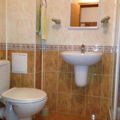 Отель Pomorie Apartments - Pomorie City Centre Болгария, Поморие - отзывы, цены и фото номеров - забронировать отель Pomorie Apartments - Pomorie City Centre онлайн ванная