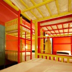 FIN Hostel Phuket Kata Beach Улучшенный номер с двуспальной кроватью фото 6