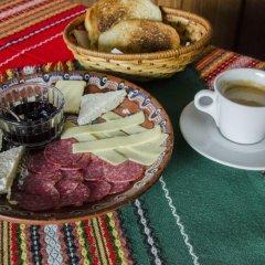 Family Hotel Dinchova kushta питание фото 3