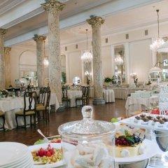 Отель Grand Hotel Rimini Италия, Римини - 4 отзыва об отеле, цены и фото номеров - забронировать отель Grand Hotel Rimini онлайн питание фото 2