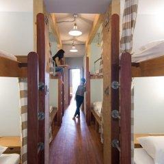 Barn And Bed Hostel Кровать в общем номере фото 7