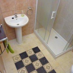 Отель Apartamentos Casa Rosaleda Испания, Херес-де-ла-Фронтера - отзывы, цены и фото номеров - забронировать отель Apartamentos Casa Rosaleda онлайн ванная