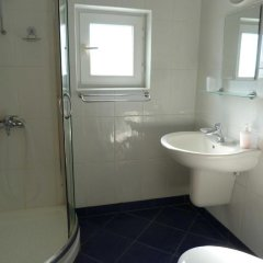 Отель Villa Lucia Болгария, Балчик - отзывы, цены и фото номеров - забронировать отель Villa Lucia онлайн ванная