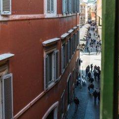 Отель Trevi & Pantheon Luxury Rooms Италия, Рим - отзывы, цены и фото номеров - забронировать отель Trevi & Pantheon Luxury Rooms онлайн балкон