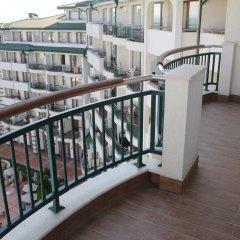Отель GT Emerald Resort & SPA Apartments Болгария, Равда - отзывы, цены и фото номеров - забронировать отель GT Emerald Resort & SPA Apartments онлайн балкон