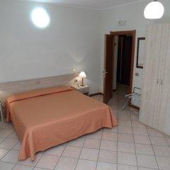 Отель Casa Vacanze Touring Италия, Вербания - отзывы, цены и фото номеров - забронировать отель Casa Vacanze Touring онлайн комната для гостей фото 4